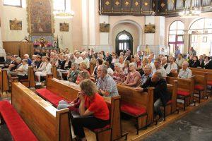 Publika u zagorskoj katedrali
